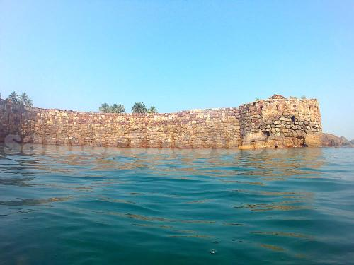 Scuba Diving near Sindhudurg Fort